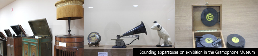 Sounding apparatuses on exhibition in the Gramophone Museum